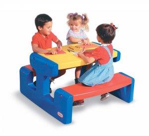 Cung cấp bàn nhựa cho bé mẫu giáo giá rẻ tại TP.HCM